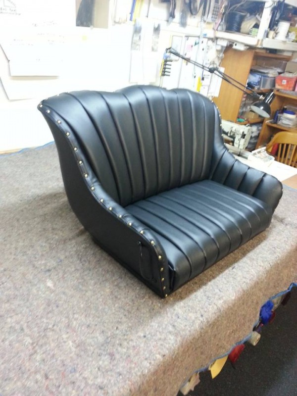 Horse-Buggy-Seat-Re-Upholstered-600x800